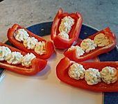Paprikaschiffchen mit Frischkäse (Bild)