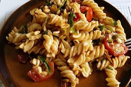 Nudelsalat mit getrockneten Tomaten 7