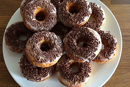 Donuts aus Quark - Öl - Teig für die Backform 8