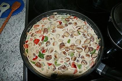 Bratwurstbällchen - Gulasch mit Paprika