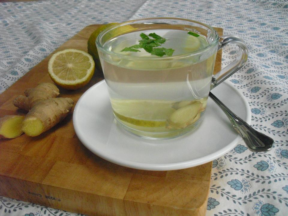 Heisse Zitrone Mit Ingwer Und Minze Von Skuranee Chefkoch De