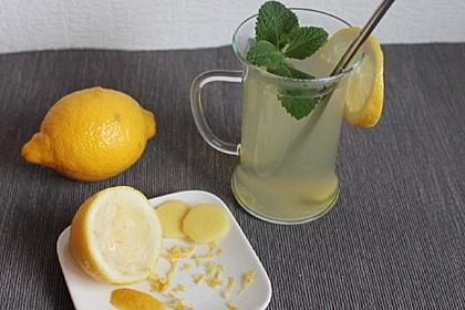 Heiße Zitrone mit Ingwer und Minze (Bild)