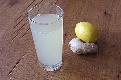 Heiße Zitrone mit Ingwer und Minze 1
