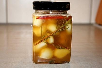 Knoblauch eingelegt in Honig