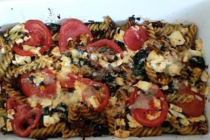 Auflauf mit Oliven, Tomaten, Pesto und Feta-Käse 6