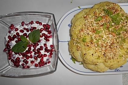 Gerösteter Blumenkohl mit Granatapfelkern-Dip (Bild)