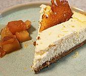 NY Cheesecake mit Apfelkompott und Salted-Caramel-Splittern (Bild)