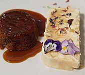 Sticky Toffee Pudding mit einer coolen Begleitung (Bild)