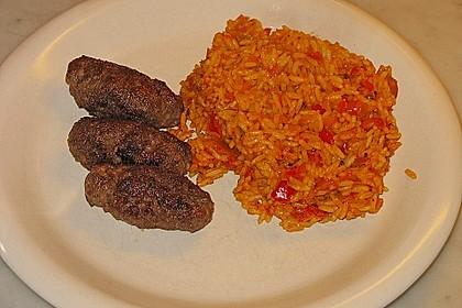 Cevapcici mit serbischer Soße und Käse überbacken 7