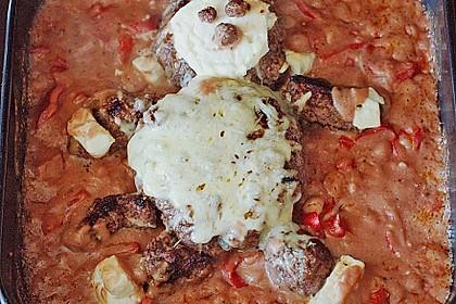 Cevapcici mit serbischer Soße und Käse überbacken 4