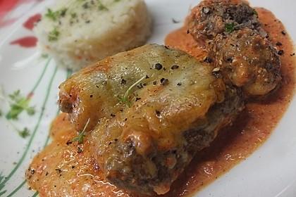 Cevapcici mit serbischer Soße und Käse überbacken 3