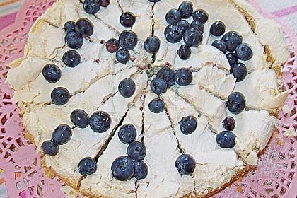 Laras Heidelbeer - Kokos - Kuchen mit Baiser 14