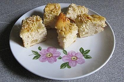 Käsekuchen mit Grieß und Birnen 2