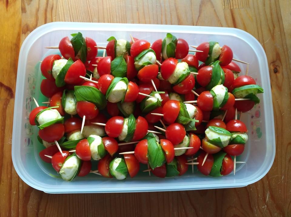 Tomate Mozzarella Spiesse Anrichten