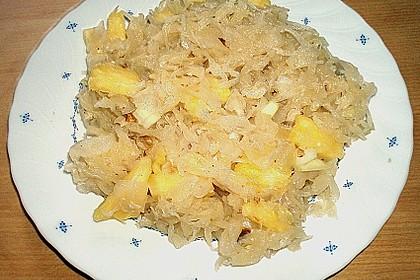 Sauerkrautsalat mit Ananas