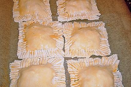 Schinken - Käse Blätterteigtaschen 16