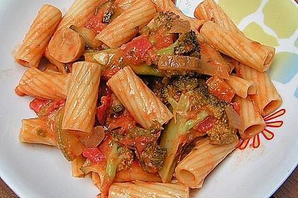 Brokkoli - Pasta mit Tomatensahne 1