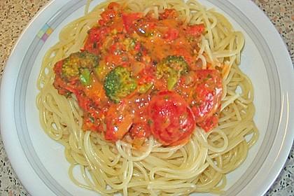Brokkoli - Pasta mit Tomatensahne 7