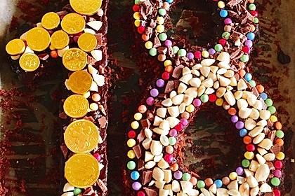 Bunter Geburtstagskuchen Mit Waffelrollchen Mandel Kerzen Von