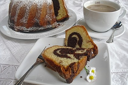 Marmorkuchen im Gugelhupf