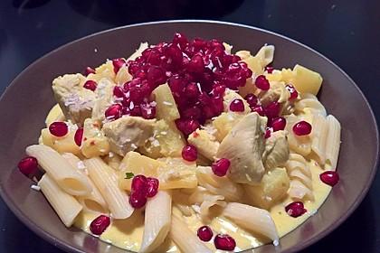 Currypasta mit Pute oder Huhn und Granatapfel 4