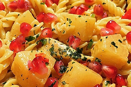 Currypasta mit Pute oder Huhn und Granatapfel 5