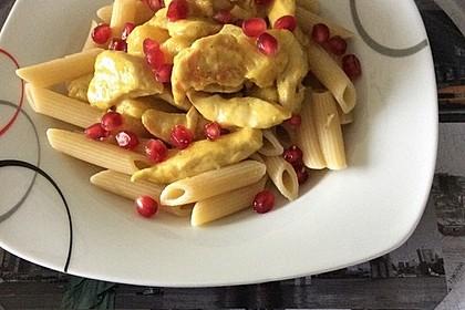 Currypasta mit Pute oder Huhn und Granatapfel 10