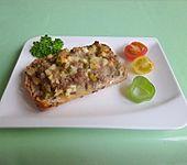 Knoblauchbrötchen  (mit Hackfleisch und Käse überbacken) (Bild)