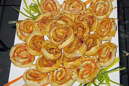 Pikante Blätterteigschnecken mit Lachs 1