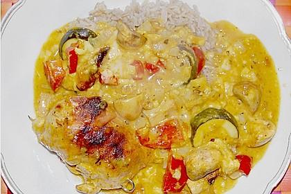 Gefüllte Hähnchenfilets in  feiner Currygemüsesoße überbacken 2