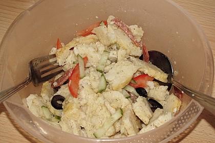 Knödelsalat mit Salami