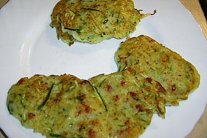 Zucchinipuffer 21