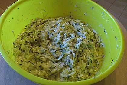 Zucchinipuffer 22