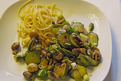 Zucchini - Champignon - Pfanne 18