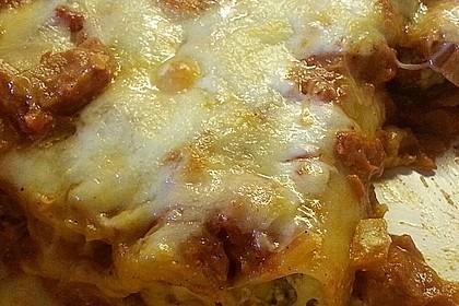 Cannelloni mit Karotten und Ricotta gefüllt