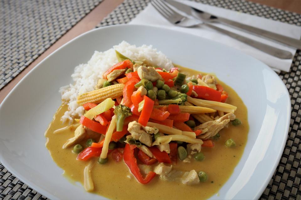 Schnelles Thai Curry Mit Huhn Paprika Und Feiner Erdnussnote Von