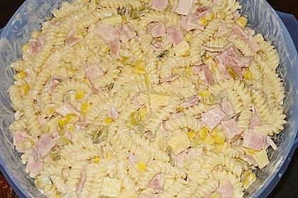 Nudelsalat mit lecker Geheimsoße 3