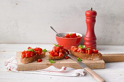 Bruschetta mit kalten Tomaten