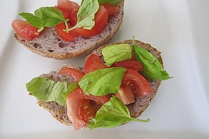 Bruschetta mit kalten Tomaten 25