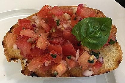 Bruschetta mit kalten Tomaten (Bild)