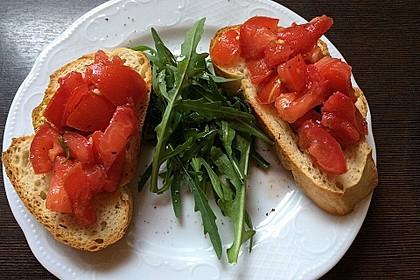Bruschetta mit kalten Tomaten 8