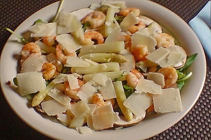 Spargelsalat mit Shrimps auf Rauke 1