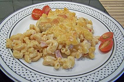 Nudelauflauf mit Tomaten - Sahnesoße
