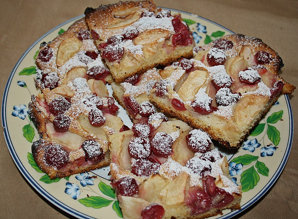 Mohnkuchen Mit Apfel Und Kirschen Von Bornblond Chefkoch De