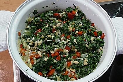 Pasta mit pikantem Spinat und Pinienkernen 5
