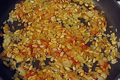Pasta mit pikantem Spinat und Pinienkernen 8
