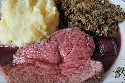Rinderfilet auf Rotweinschalotten-Butter 20