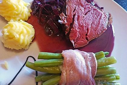 Rinderfilet auf Rotweinschalotten-Butter 10