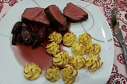 Rinderfilet auf Rotweinschalotten-Butter 8