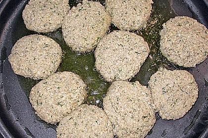 Grünkern - Frikadellen mit Joghurtsauce 31